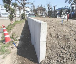 岐阜県海津市 L型擁壁コンクリート設置工事中5