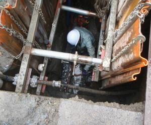 津島市 農業用パイプライン修繕工事4油圧オーガー推進工事