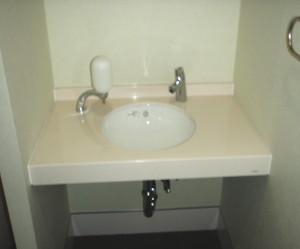 三重県桑名市 従業員トイレリフォーム工事後 手洗いカウンター新設置