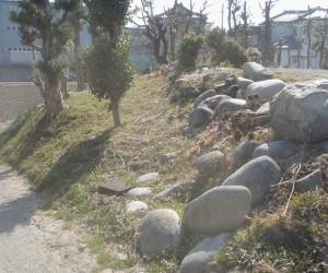 岐阜県海津市 L型擁壁コンクリート設置工事中1
