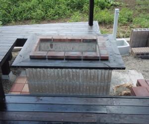 三重県桑名市 ウッドデッキバーベキューテーブル設置工事3